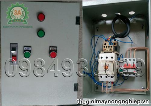 Tủ điều khiển đóng ngắt có gắn aptomat 60A